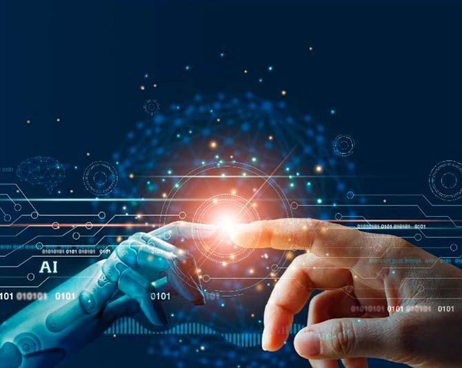Imagen que combina en un centro luminoso la unión de una mano humana y una mano robotica, que ilusta la Inteligencia Artificial aplicada a Recursos Humanos